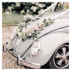 What a car! All time classic for a slight vintage touch at a wedding. VW Beatle