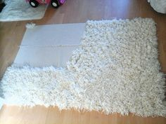 Diy shaggy rug is part of Diy rug - yarn 3 packs of each A bobby pin Please watch my other channel come fare un Tappeto a pelo alto da soli كيفي Diy, Pompom Rug, Diy Pom Pom Rug, Rug Yarn, Home Crafts, Diy Crafts, Yarn Crafts, Homemade Rugs, Rag Rug Tutorial, Latch Hook Rugs