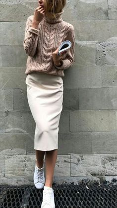 Off white and beige -- pencil skirt with sneakers