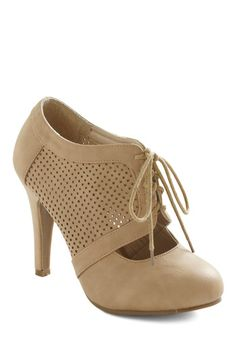 All Out on the Town Heel