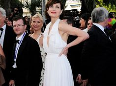 """Downton Abbey"" star Elizabeth McGovern (a.k.a. Lady Cora Crawley) wore an eco-chic Gucci gown at Cannes http://is.gd/eeN9gH"
