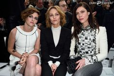AIRES | by rui aires: Kristen Stewart na primeira fila da Chanel.