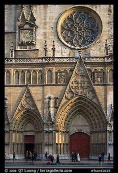 Fachada de la catedral de Saint Jean.  Lyon, Francia