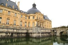 Paris Day Trips, Vaux-le-Vicomte and moat, chateau visit