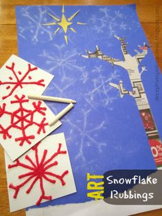 Relentlessly Fun, Deceptively Educational: Snowflake Rubbings Art from yarn coated with glue Christmas Art Projects, Winter Art Projects, Winter Crafts For Kids, Winter Fun, Winter Theme, Art For Kids, Christmas Crafts, Kid Projects, Kid Art
