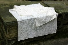 Antique Lace Table Runner in Off White. Vintage. Delicate Sweet. Airy. Victorian. Dresser Scarf. Dining. Newborn Baby Photo Prop. Lovely!