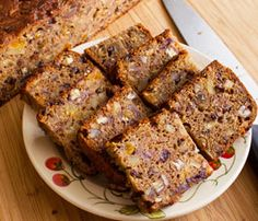 Fruit Cake: Traditional fruitcake recipe, delicious, substantial and satisfying, perfect Christmas dessert or wedding cake, vegan or gluten free vegan cake recipe Nut Recipes, Cake Recipes, Dessert Recipes, Vegetarian Recipes, Xmas Food, Christmas Desserts, Mini Cakes, Cupcake Cakes, Fruit Cakes