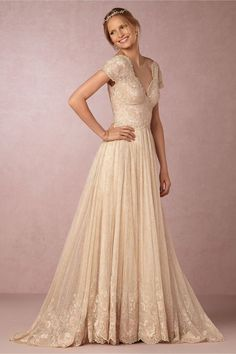 BHLDN Ivory Cotton Lace with Metallic Detail; Poly Lining Kensington Gown Style: 36391035 Vintage Wedding Dress Size 4 (S) off retail Bhldn Wedding Dress, Wedding Dress Sizes, Bridal Gowns, Wedding Gowns, Gown Drawing, Vintage Inspired Wedding Dresses, Trendy Wedding, Modest Wedding, Boho Wedding