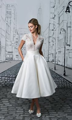 Short wedding dress with lace bodice Style 8881, Justin Alexander #weddingdress