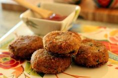 Non-Vegetarian Meat Cutlets Recipe - The steps are easy, but be patient. Kids will love this crunchy cutlets dipped in tomato sauce. Chicken Cutlets, Veg Recipes, Vegetarian Recipes, Indian Starter Recipes, Vegetable Cutlets, Popular Appetizers, Cutlets Recipes, Patties Recipe, Yummy Recipes