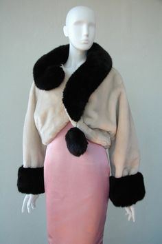 1994 Question mark black fur collar on cream jacket by Moschino - Franco Moschino , Italian, - Image: N. Archived Franco by thefineartofvintage Gianni Versace, Couture, Franco Moschino, Stockholm Fashion Week, Costume Institute, Fashion Outfits, Womens Fashion, Ladies Fashion, Colorful Fashion