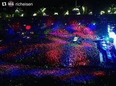 "778 Likes, 1 Comments - U2News [Argentina] (@u2news) on Instagram: ""#Repost @richeisen ・・・ Beautiful Day. At night. #U2 #u2thejoshuatree2017"""