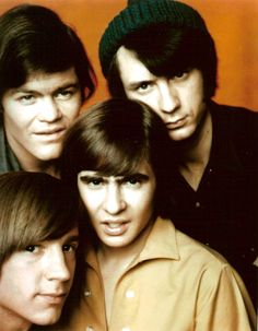 The monkees Mickey Dolenz top left I loved this group, and thought they were better than the Beatles, lol! I loved Mickey Dolenz ! Mickey Dolenz, The Ventures, Nostalgia, Movies And Series, The Monkees, Davy Jones Monkees, Monkees Songs, Blu Ray, Vintage Tv