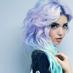 I love her hair! I wish I could have it...