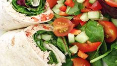 Salmon & Spinach wrap with a mixed salad Weight Loss Eating Plan, Easy Weight Loss, Spinach Wrap, Free Meal Plans, Lunch Menu, Mediterranean Style, Everyday Food, Eating Plans, Fresh Rolls