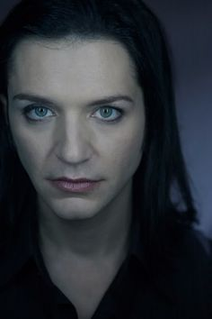Brian Molko - Oh, those dazzling big greenish-blue eyes and gorgeous lips! / Source: Tumblr.com