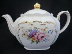 Sadler floral teapot - This was my first Sadler teapot & I fell in love.