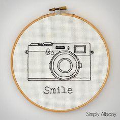Simply Albany: Embroidery Hoop Art ~ shared on DIY Sunday Showcase on VMG206. #diyshowcase #diyart