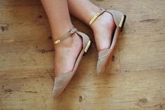 Nude and gold ♡
