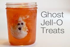 Fun (and yummy) ghost Jell-O treats - make them for your Halloween party this year!