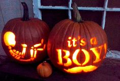 7 fall gender reveal ideas that will wow your family and friends (like this Jack-or-Jill-O'-Lantern). Pumpkin Gender Reveal, Fall Gender Reveal, Halloween Gender Reveal, Baby Shower Gender Reveal, Baby Gender, October Baby Showers, Gender Announcements, Baby Shower Fall, Fall Baby