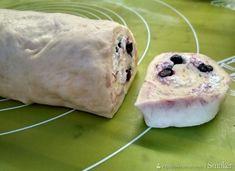 Drożdżówki z twarogiem, jagodami i miętowym lukrem - przepis ze Smaker.pl Guacamole, Mexican, Ethnic Recipes, Food, Essen, Meals, Yemek, Mexicans, Eten