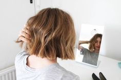 How To: Messy Bob — Brittany Bathgate - Trend Kurze Haare Zopf 2020 Bob Hairstyles For Fine Hair, Hairstyles Haircuts, Pretty Hairstyles, Pixie Haircuts, Medium Hairstyles, Braided Hairstyles, Wedding Hairstyles, Bobs For Thin Hair, Wavy Bobs