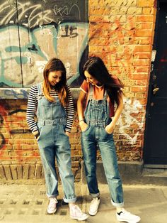 Vintage dungarees and converse on brick lane Overalls Fashion, Denim Dungarees, Brick Lane, Chic Outfits, Converse, Girls, Pants, Clothes, Shoes