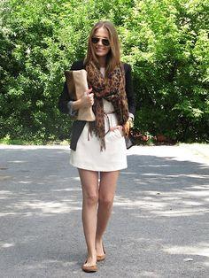 white dress/blazer/foulard