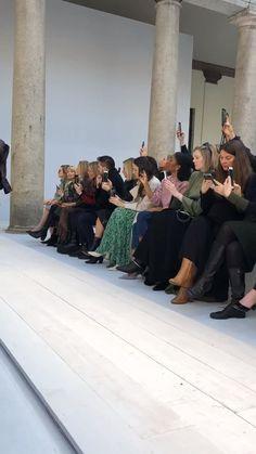 Foto Fashion, Runway Fashion, Fashion Show, Fashion Bella, Fashion Studio, Party Fashion, Style Fashion, Fashion Jewelry, Student Fashion