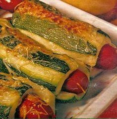 Hot dog de courgettes Hot dog recipe of zucchini Dog Recipes, Lunch Recipes, Healthy Recipes, Healthy Food, Comfort Food, Hot Dogs, Entrees, Good Food, Food Porn