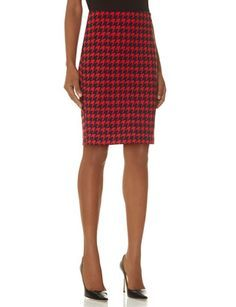 Houndstooth Print Pencil Skirt from THELIMITED.com #TheLimited #Houndstooth #PatternPlay #PencilSkirt #OfficeReady #Sophisticated #Professional #OwnTheRoom