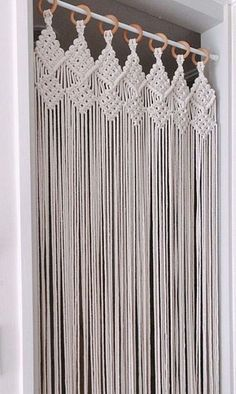 Macrame Design, Macrame Art, Macrame Projects, Macrame Knots, Micro Macrame, Macrame Wall Hanging Patterns, Macrame Plant Hangers, Macrame Patterns, Macrame Curtain