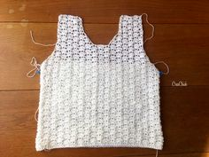 Mila zomertop haken - CreaChick - Lilly is Love Débardeurs Au Crochet, Crochet Woman, Crochet Blouse, Crochet Shawl, Crochet Needles, Crochet Stitches, Crochet Patterns, Shrugs And Boleros, Summer Tops