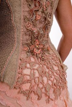 Little Treasures: What I Have Pinned Lately Irish Crochet Patterns, Lace Patterns, Crochet Designs, Dress Patterns, Freeform Crochet, Crochet Lace, Doilies Crochet, Motif Corset, Russian Crochet