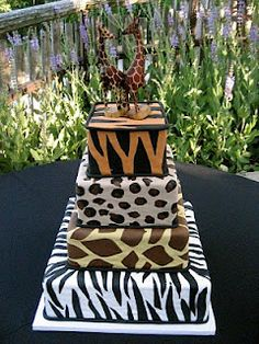 All animals are covered on this crazy animal print cake! Crazy Wedding Cakes, Crazy Cakes, Fancy Cakes, Zoo Cake, Jungle Cake, Pretty Cakes, Beautiful Cakes, Amazing Cakes, African Cake