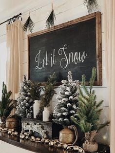 Looking for for ideas for farmhouse christmas decor? Check this out for amazing farmhouse christmas decor ideas. This specific farmhouse christmas decor ideas seems completely excellent. Decoration Christmas, Farmhouse Christmas Decor, Xmas Decorations, Outdoor Christmas, Christmas In The Country, Decorating Mantle For Christmas, Ideas For Christmas Trees, Christmas Decor For Kitchen, Christmas Decorations For The Home Living Rooms