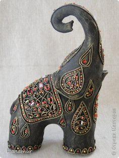 Slonotvorenie   el País de los Maestros Ceramic Elephant, Elephant Love, Elephant Artwork, Elephant Stuff, Elephant Nursery, Elephant Gifts, Paper Mache Crafts, Clay Crafts, Polymer Clay Projects