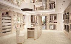 Walking Cabinet MadeInItaly Order: ✍dxb@superbiadomus.com #luxurydressingroom