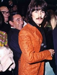 George Harrison ~ CAN'T YOU JUST FEEL HIM LOOKING INTO YOUR EYES TO YOUR SOUL? DAM I STILL LOVE THIS MAN. RIP GEORGE!~ ♥