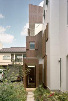 Double Helix House / Onishimaki + Hyakudayuki Architects