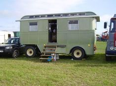 GDSF-Living vans (i wish i had a bigger garden) Vintage Trailers, Vintage Campers, Classic Campers, Tent Camping, Camping Gear, Canvas Tent, Live In Style, Gypsy Wagon, Big Garden