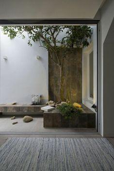 Une terrasse qui n'est pas chère en gris...