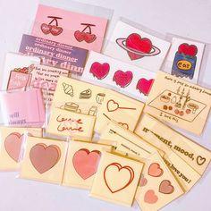 EM BREVE!! (@arcanaestudio) • Fotos e vídeos do Instagram Korean Stationery, Cute Stationery, Stationery Design, Stationary, Pattern Design, Print Design, Business Cards Layout, Artist Alley, Bullet Journal Art
