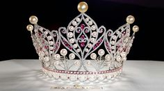 LONG BEACH PEARL CROWN FOR MISS UNIVERSE VIETNAM 2015