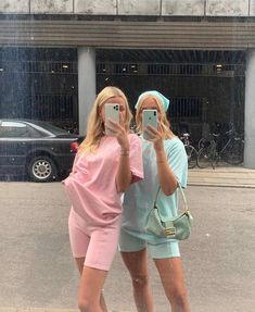 Indie Outfits, Cute Casual Outfits, Summer Outfits, Fashion Outfits, Matching Outfits Best Friend, Best Friend Outfits, Best Friends Shoot, Cute Friends, Best Friend Pictures