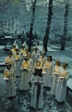 Santa Lucia day in Mariefred, Sweden, celebrated before dawn on December Swedish Christmas, Scandinavian Christmas, Father Christmas, Swedish Traditions, Christmas Traditions, Stockholm, St Lucys, Santa Lucia Day, Michel De Montaigne