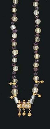 A ROMAN GOLD, ROCK CRYSTAL AND GARNET BEAD NECKLACE  CIRCA 2ND-3RD CENTURY A.D.