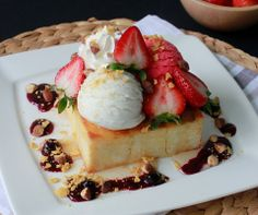 Strawberry honey toast by e't'e ice cream Thailand