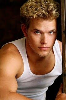 Kellan Christopher Lutz, born on March 15, 1985,is an American actor, who is best known for playing Emmet Cullen in the Twilight series. Lutz will be reuniting with his Twilightco-star, Ashley Greene, in the film Warrior.
